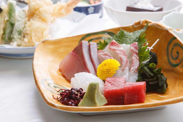 下関市のランチ | ふぐ処 喜多川のふぐ釜御膳 | お刺身